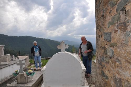 Alain Sals et Michèle Sals au cimetière de San Tumasgiu di Pastureccia.jpg