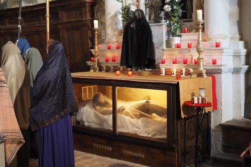 adoration de la croix.jpg