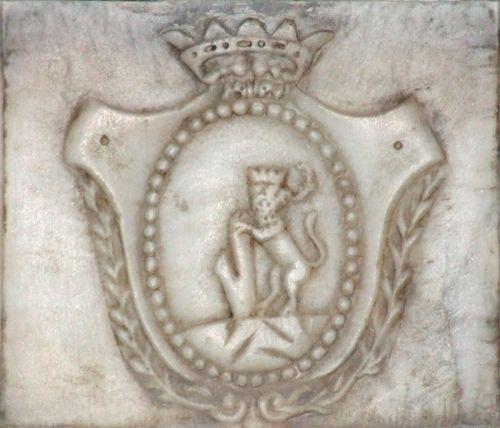blason Malaspina Edouard marbre.jpg