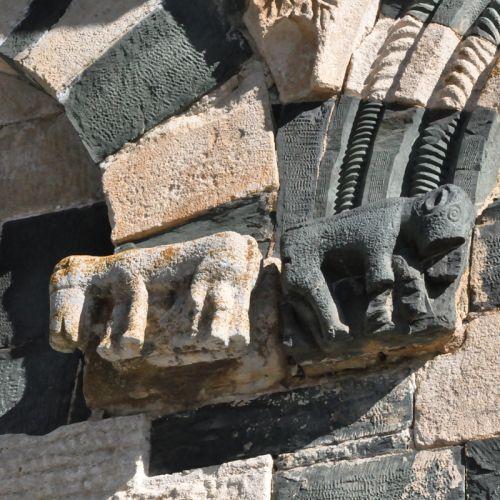 Murato façade 2 Quadrupèdes blo.jpg