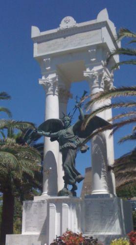 le Monument aux morts de Calvi.jpg