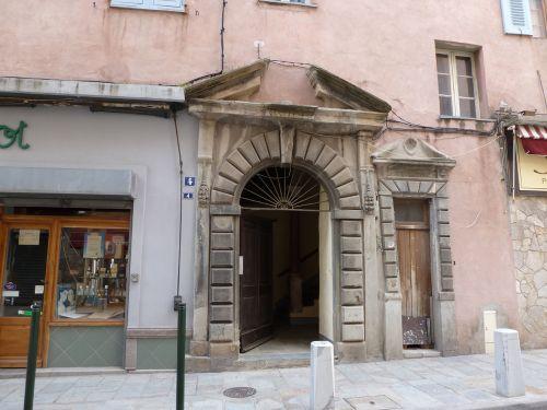 portail maison Castagnola.jpg