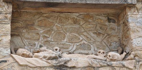 Occhiatana gisant tombeau Maestracci blog.jpg