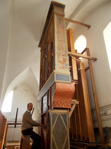 Francesco à l'orgue.jpg
