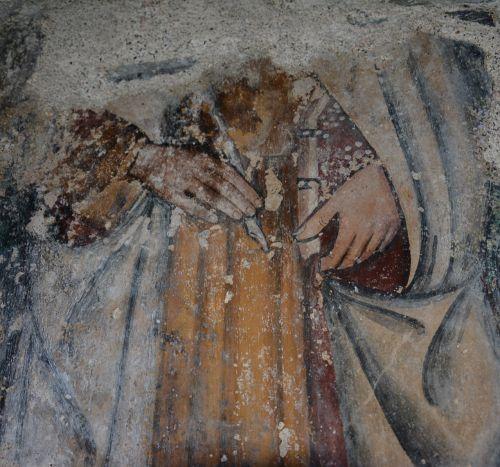 les mains de St Jean.jpg