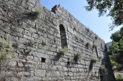mur latéral san Quilico.jpg