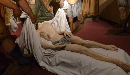 III-2 Christ mort carton pâte -Imperia Porto Maurizio XVII°s.jpg