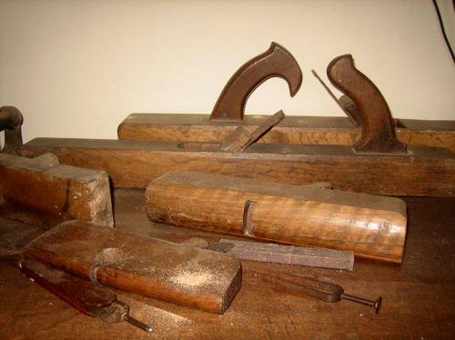 Gaspard Domini outils et diapasons.jpg