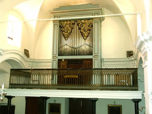 aregno orgue tribune entière.jpg