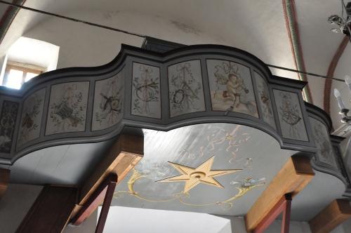Olmi Cappella la tribune de l'orgue.jpg