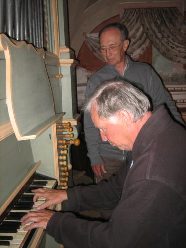 Enno à l'orgue de Pioggiola.jpg
