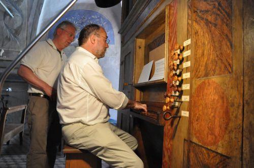 Corte Umberto à l'orgue blog.jpg