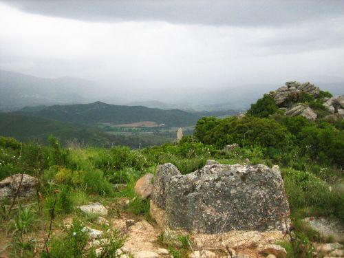 dolmen et menhir de Celluccia.jpg