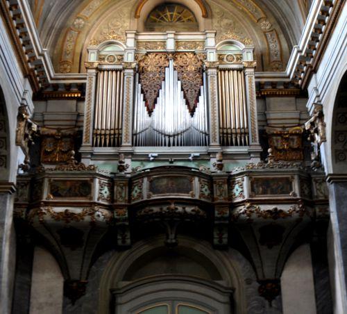 l'orgue et sa tribune.jpg