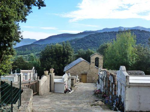 la chapelle San Michele et cimetière.jpg