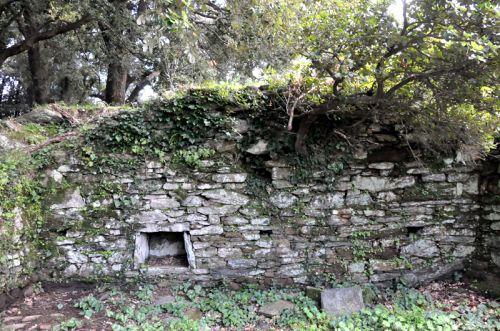 Lorecta ruine.jpg