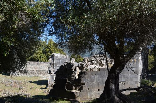 baptistère mur sud.jpg