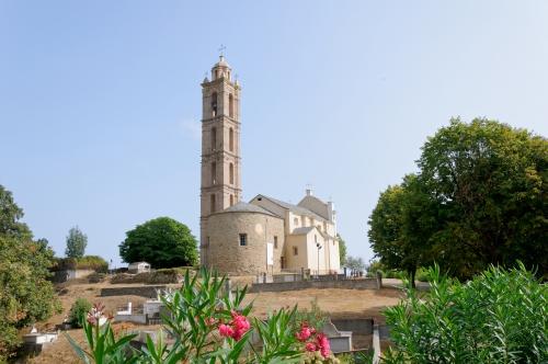 San Nicolau chevet.jpg
