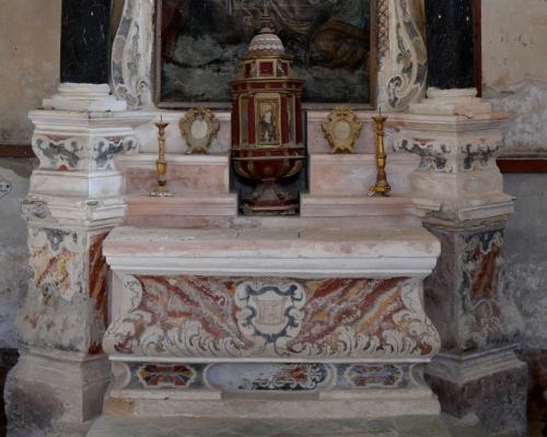 cuve maitre autel et tabernacle.jpg