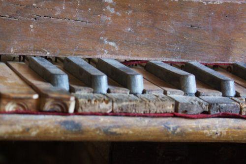 orgue Belgodère clavier détail blog.jpg