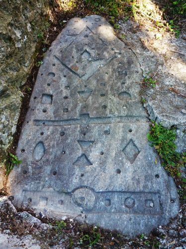 Silvareccio stèle cimentée village blog.jpg