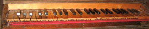 2 b-  Piedicroce orgue Spinola clavier ancien et augmenté détail.jpg