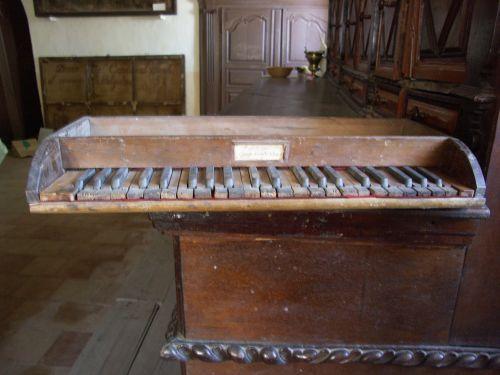 orgue Belgodère Lazari clavier ancien blog.jpg