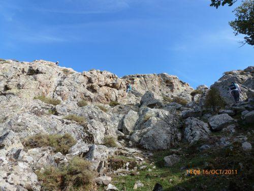 vers un rocher signifiant.jpg