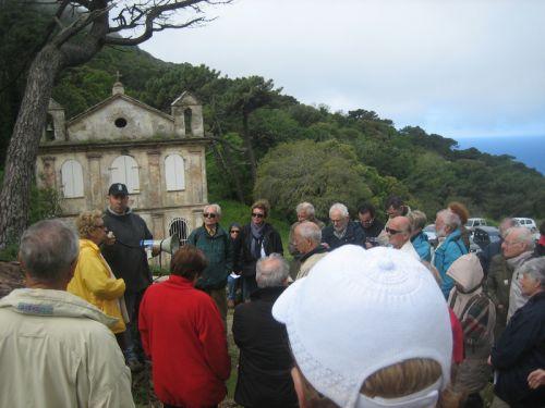 devant la chapelle Ste Lucie.jblog pg.jpg