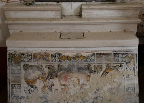cuve autel de la Vierge copie.jpg