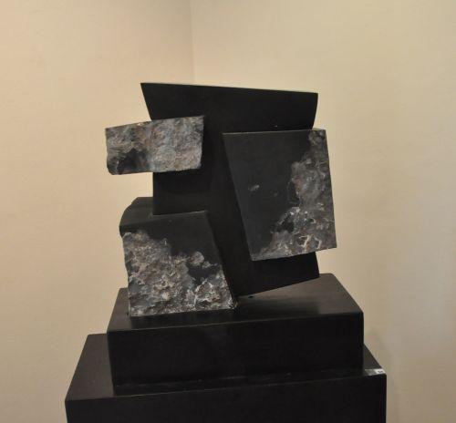 Nouaison - marbre noir.jpg