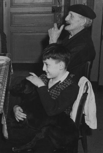 Pierre Johannes et le chien copy.jpg