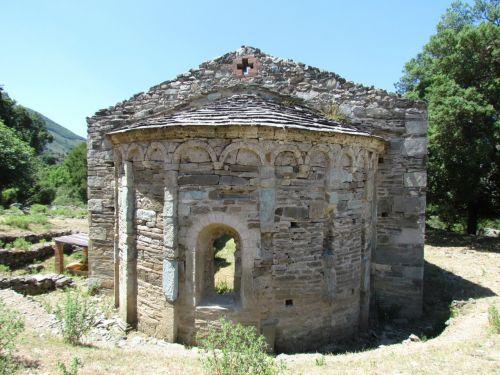 Santa Maria di Rescamone abside.jpg