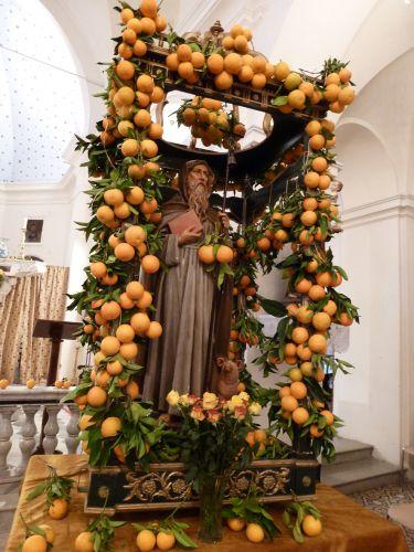 statue St Antoine aux oranges.jpg