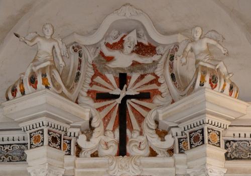 ensemble haut maître autel.jpg